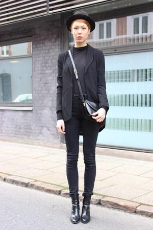 black Zara boots - black vintage hat