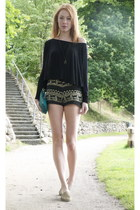 light brown vintage shorts - black GINA TRICOT shirt