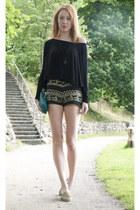 light brown vintage shorts - black GINA TRICOT shirt
