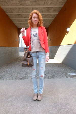 red H&amp;M blazer - light blue Tiger of Sweden jeans - beige vintage jumper