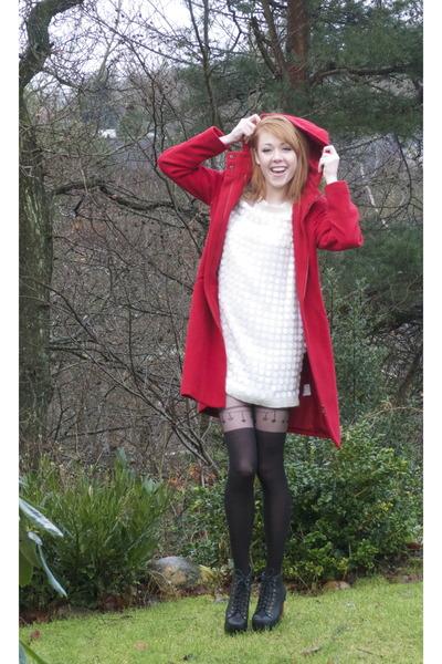 ruby red Vero Moda coat - cream Malene Birger dress