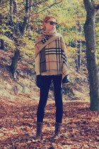 mustard Burberry scarf