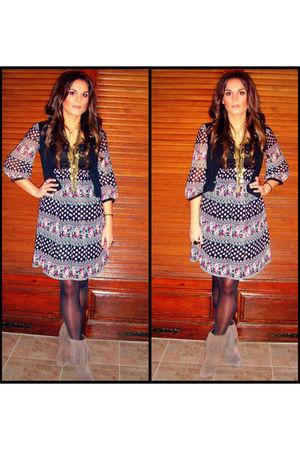 beige Zara boots - gray Stradivarius dress - black Bershka vest - gold H&M neckl