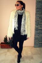 beige pink woman scarf - black pink woman dress - black killah boots - black axi