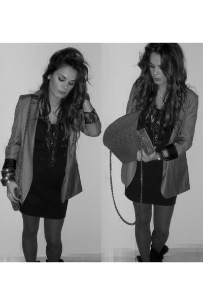 gray blazer - black dress