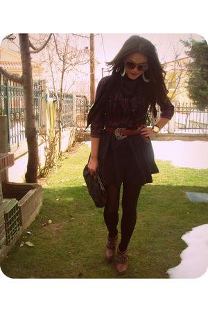 black fullah sugah skirt - red Bershka shirt - brown Tally Weijl belt - brown Za