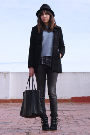 buckle Primark boots - Mango bag - checkered Zara blouse
