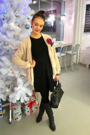 tan Ivory Boutique cardigan - black Zara dress - dark gray Borbonese bag