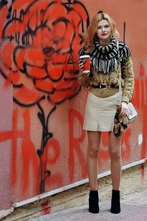 black SIMILAR boots - camel SIMILAR sweater
