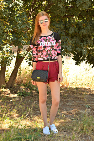 black Tally Weijl bag - ruby red StyleMoi shorts - silver Wolfnoir sunglasses