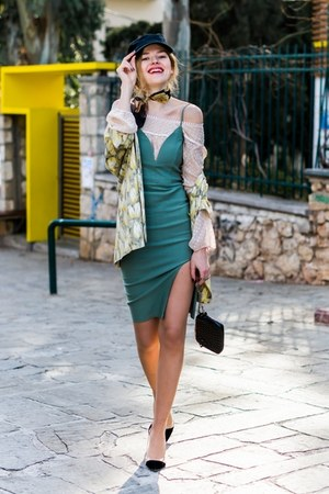 black STATE OF WOW Cap hat - green TREND DIRECTOR dress