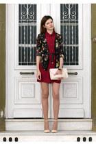 black choiescom shirt - ruby red H&M shirt - beige H&M bag