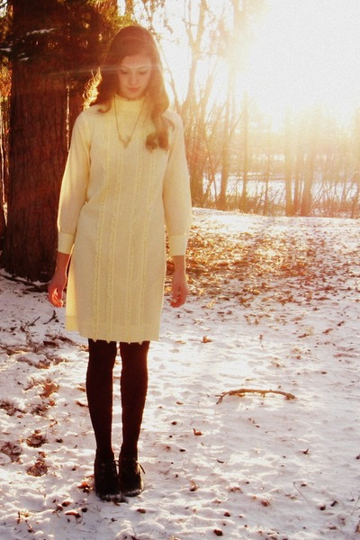 cream vintage dress - crimson Target tights