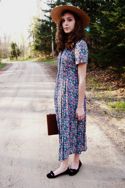 turquoise blue thrifted vintage dress - tan vintage hat - black Gap flats
