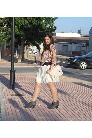 cream xti bag - gray Mustang boots - white Stradivarius skirt