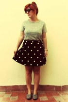 black polka dot H&M skirt - heather gray Springfield shoes - silver H&M t-shirt