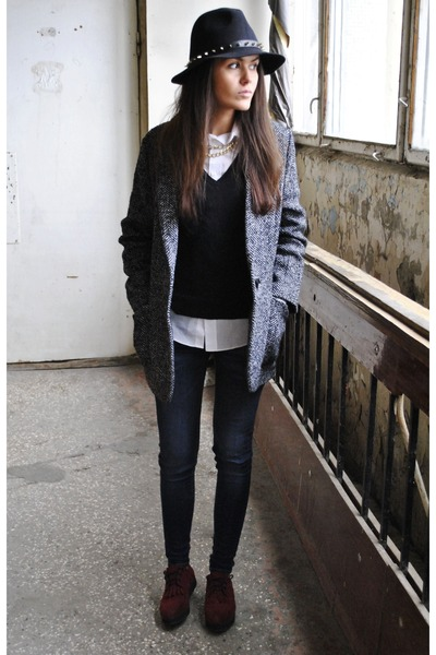studded Zara hat - Mango coat - Mango jeans