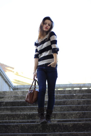black H&M sweater - dark brown etxart&panno boots - navy Primark jeans