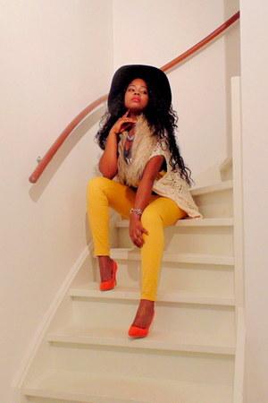 Zara jeans - H&M hat - Tally Weijl sweater - H&M scarf - Primark heels
