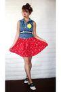 Blue-secondhand-vest-red-vintage-dress-white-vintage-shoes-black-forever-2