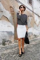 white pull&bear skirt - black Parfois bag - black pull&bear sweatshirt