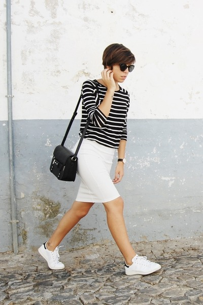 Black-mango-bag-black-parfois-sunglasses-white-adidas-sneakers