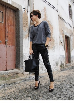 black Parfois bag - gray pull&bear sweatshirt - black Parfois heels