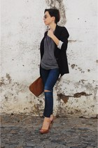 brown bag Stradivarius heels - navy heels pull&bear jeans - black t-shirt blazer