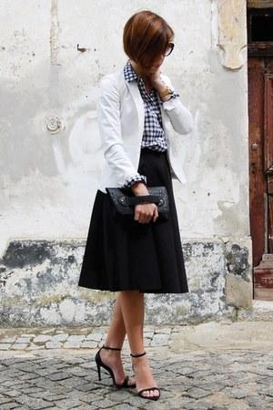 black vintage bag - white Zara blazer - navy Mango shirt - black Zara sandals