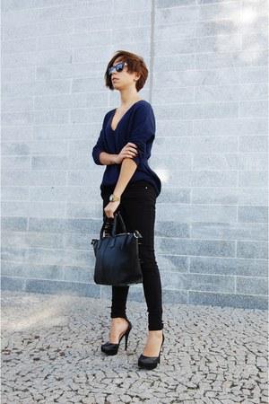 black pull&bear jeans - black Parfois bag - black Bershka heels