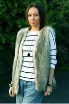 light blue boyfriend jeans H&M jeans - white H&M blouse - beige vintage vest - v