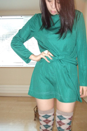 green diy vintage dress - tan random socks - crimson random brand heels