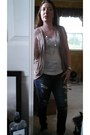 Distressed-american-eagle-jeans-beige-body-central-vest