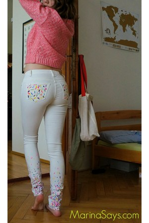 white skinny Tally Weijl jeans - bubble gum cropped Urban Outfitters sweater
