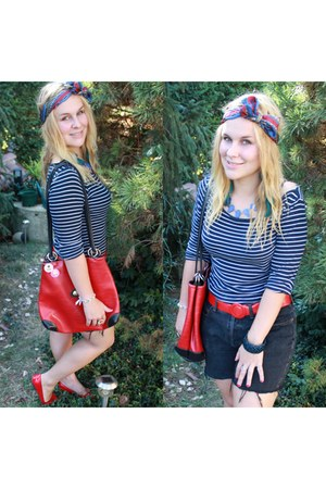 black vintage shorts - blue new look necklace - navy new look top