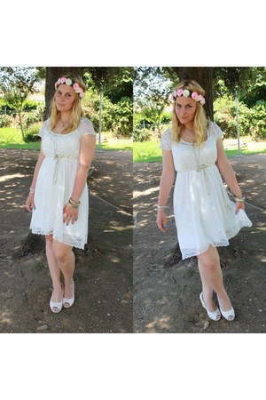 cream lace 3 suisses dress - bubble gum DIY accessories