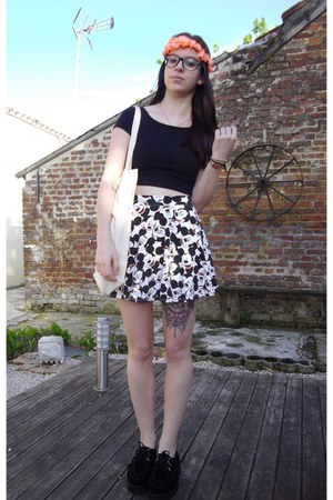 Forever 21 skirt - Primark shoes - Forever 21 top - Claires hair accessory