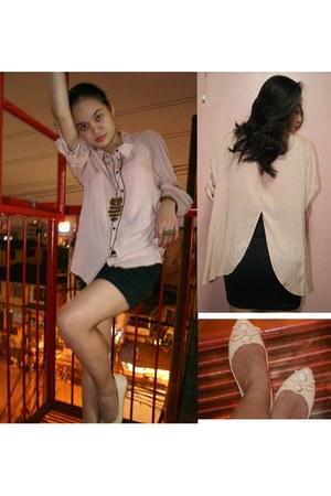 gold Bazaar ring - black bandage Bazaar skirt - peach peach flats comfit flats