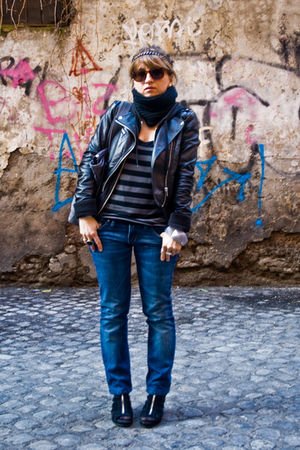 black H&M jacket - black H&M sweater - black H&M t-shirt - blue Diesel jeans - b