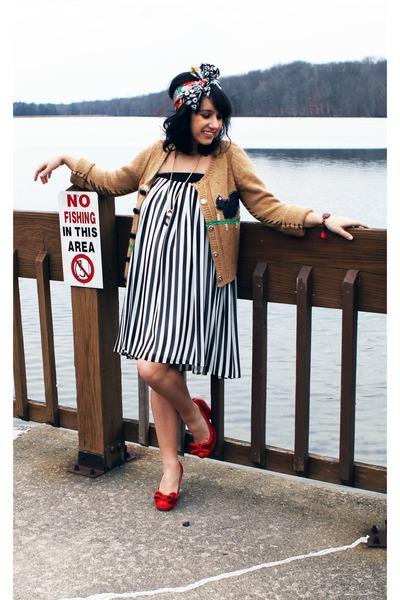 ruby red bow miss l fire heels - black striped asos dress