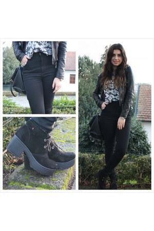 black pull&bear jeans