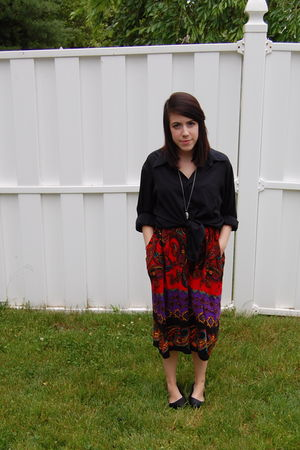 black blouse - red vintage skirt