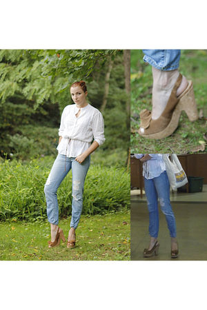 white Old Navy top - jeans - Jessica Simpson shoes