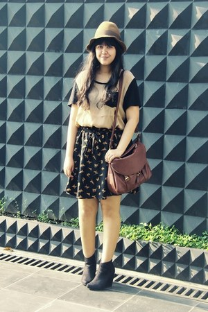 Choies skirt - asos boots - floppy Pull & Bear hat - Jamy bag - Topshop t-shirt