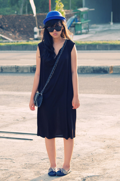 black unkl347 dress - blue Local store hat - blue bought in Bandung shoes - gray