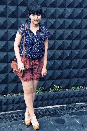 navy heart-printed Primark blouse - dark brown belted sling vintage bag