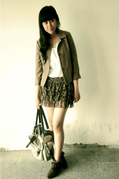 H&M blouse - random skirt - Thrift Store jacket - Thrift Store boots - Oink purs