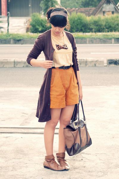 orange vintage shorts - brown slouchy tan vintage boots - brown Flashy purse