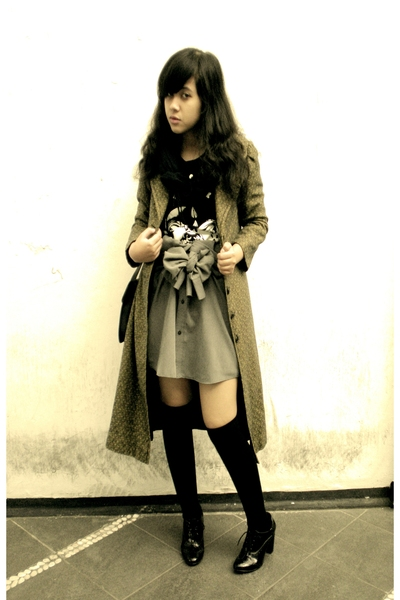 green patterned Thrift Store coat - black Forever21 shoes
