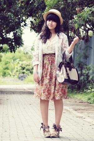 light pink mandy floral Dream Shop skirt - beige bow boater random hat